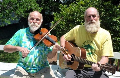 Steve Hickman on fiddle and John Devine on guitar