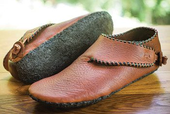 Comfortable, handmade, thin-soled leather shoes by Michael Ismerio