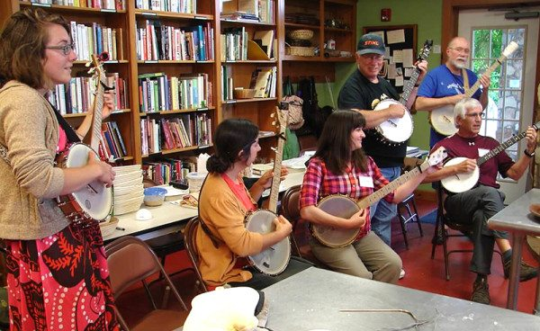 The banjo class came to serenade our class in exchange for tasty treats.