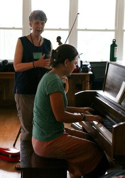 Learning to play piano with the fiddle