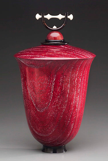 Hollow lidded vessel by Rudolph Lopez. Photo by Rudolph Lopez
